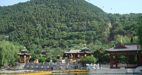 Huaqing Hot Spring au pied du mont Lishan